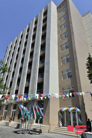 В Баку 111 семьям из «Советской» вручены ключи от новых квартир