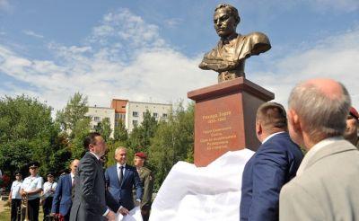 В Казани открыли памятник легендарному разведчику из Азербайджана