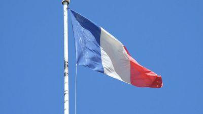 Франция готова предоставить площадку для новых переговоров по Карабаху