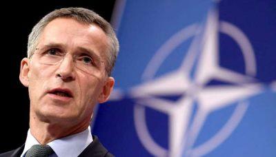 Столтенберг призвал избегать насилия в Карабахе