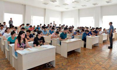 Fransız-Azərbaycan Universitetinə qəbul imtahanı keçirilib FOTO