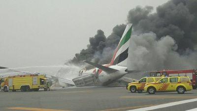 Самолет разбился при посадке в аэропорту Дубая