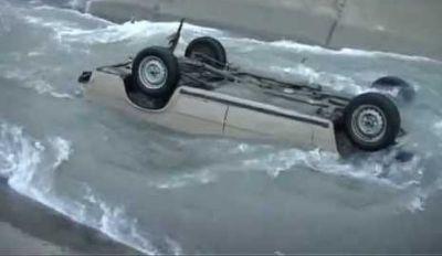 Avtomobil kanala düşdü    ölən var