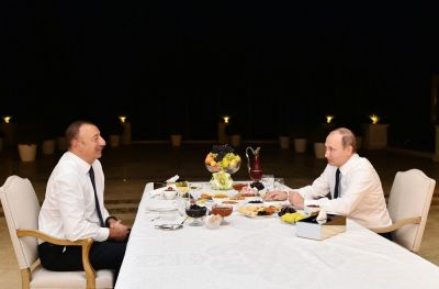 Prezident İlham Əliyev Rusiya Prezidenti Vladimir Putini evinə çay süfrəsinə dəvət edib