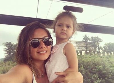 Ayan qızı ilə Gürcüstanda FOTOLAR