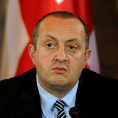 В Грузии собирают подписи за отставку президента