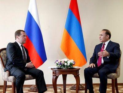 Медведев отказался от отдельной встречи с Овиком Абрамяном