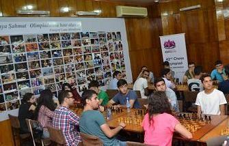 Könüllülər arasında şahmat turniri keçirilib FOTOLAR