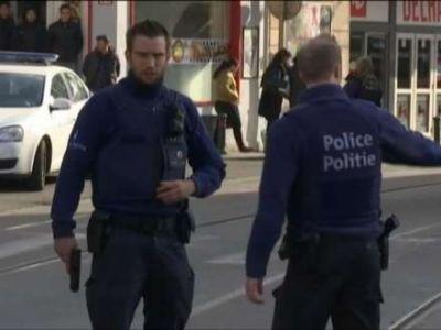 Belçika ŞOKDA: Məsciddən çıxan qadın ətrafdakılara bıçaqla hücum edib