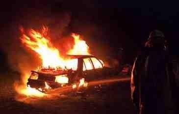 """Sabunçuda """"Opel"""" markalı minik avtomobili yandı"""