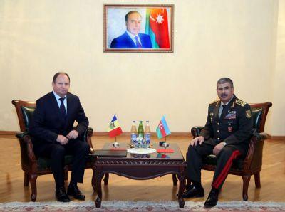 Закир Гасанов провел встречу с послом Молдовы в Азербайджане