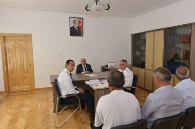 Zakir Qaralov vətəndaşları dinlədi