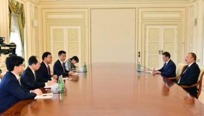 Ильхам Алиев принял парламентского вице-министра МИД Японии