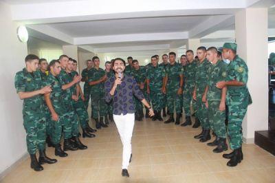 """Özfəaliyyət kollektivi """"N"""" saylı hərbi hissədə FOTOLAR"""