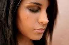 Alman alimlər: Qadınlar kişilərdən çox ağlayır
