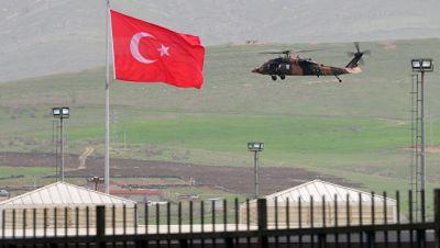 Турецкие военнослужащие уничтожили склады с оружием и трех членов РПК