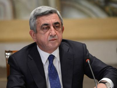 Саргсян встретился с сепаратистами в Карабахе
