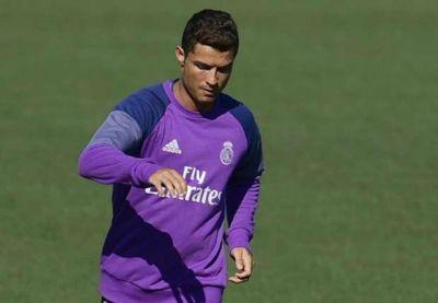 Ronaldo yaşıl meydanlara qayıtmağa hazırlaşır