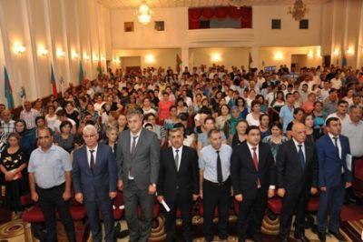 """Агитационная группа """"Новый Азербайджан"""" продолжает свои встречи"""