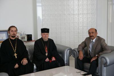 Əbülfəs Qarayev Bakı və Azərbaycan arxiyepiskopu ilə görüşüb FOTOLAR