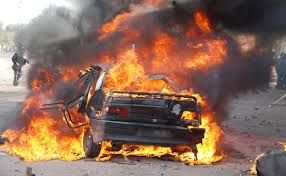 Nəsimi rayonunda minik avtomobili yanıb