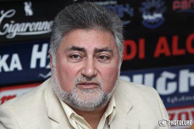 Ара Папян: Сержа Саргсяна вынуждают сдать территории