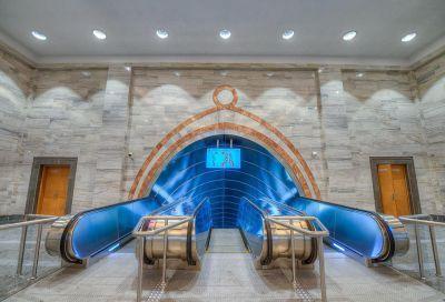 Главный вход метро «Эльмляр Академиясы» в Баку открыт после реконструкции