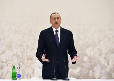 Ильхам Алиев провел совещание по вопросам развития хлопководства