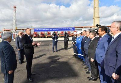 Ильхам Алиев на церемонии закладки фундамента новой установки по производству битума