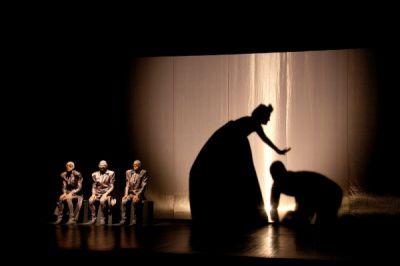 Ukrayna və Gürcüstan teatrları Şəki səhnəsində FOTOLAR