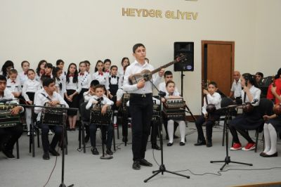 Ağdaşda da Üzeyir Hacıbəyli yad olundu  FOTOLAR