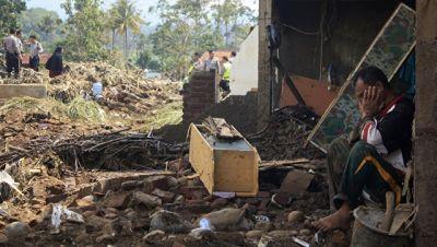 İndoneziyada şiddətli daşqınlar: 23 nəfər öldü