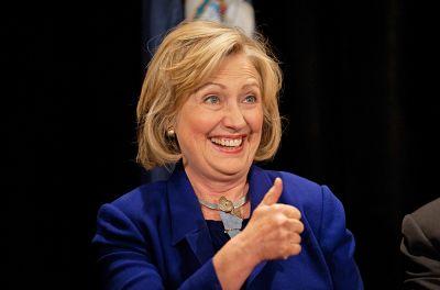 """Hillari Klintondan ŞOK açıqlama: """"Qalib gəlsəm o aktyor soyunacaq"""""""