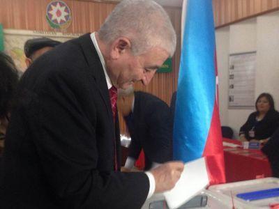 Председатель ЦИК со своей супругой приняли участие в голосовании
