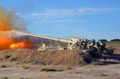 Ракетные и артиллерийские войска Азербайджана провели учения