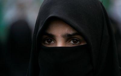 Парламент Швейцарии одобрил запрет на ношение паранджи во всей стране