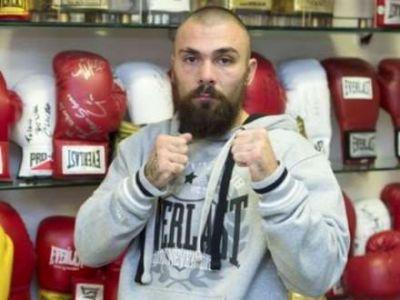 Britaniyalı boksçu aldığı ciddi zədədən sonra xəstəxanada ölüb