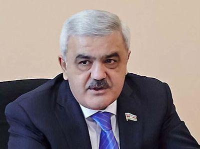 Rövnəq Abdullayev milli komandanın üzvləri ilə görüşüb