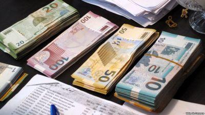 В Азербайджане выросла среднемесячная номинальная зарплата