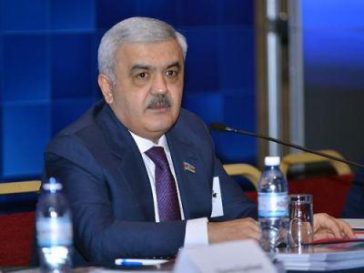 Rövnәq Abdullayev milli komanamızın uğurundan danışdı