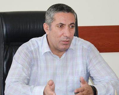 """Siyavuş Novruzov: """"Dini mərasimləri vətəninə bağlı olanlar idarə etməlidir"""" MÜNASİBƏT"""
