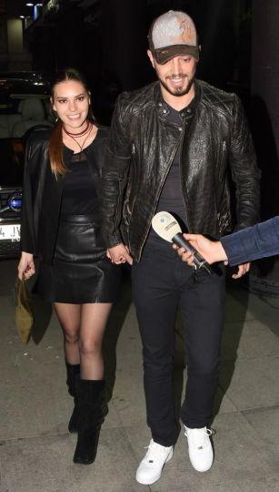 Murat Boz sevgilisi ilə həmkarının konsertində FOTOLAR