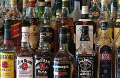İraq parlamenti spirtli içkilərin satışını qadağan etdi
