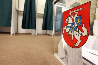 """Litvada keçirilən parlament seçkilərində """"Kəndlilər və Yaşıllar İttifaqı"""" liderlik edir"""