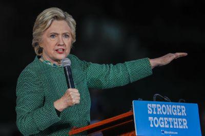 """Klinton: """"Kimsə uğursuzluğa düçar olub, biz isə irəliləməyə davam edirik"""" SEÇKİ MÜBARİZƏSİ"""