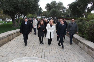 Prezident İçərişəhərdə olub - FOTOLAR