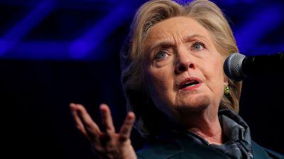 ФБР возобновило дело о письмах Клинтон