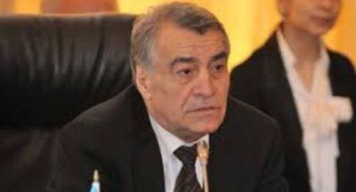 """""""Neft hasilatını azaltmaq İran və İraqın mövqeyindən asılı olacaq"""""""