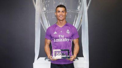 Ronaldo dördüncü dəfə dünyanın ən yaxşı futbolçusu seçildi