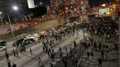 Los-Ancelesdə 150-dən çox Tramp əleyhdarı saxlanıldı